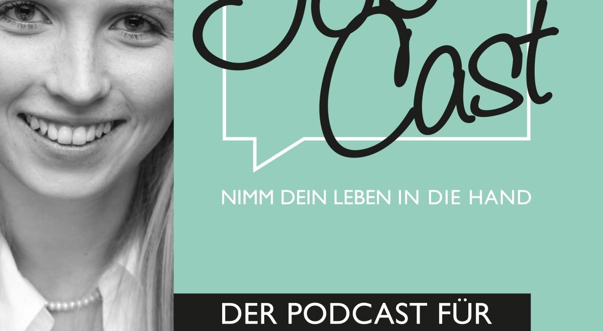 """Ein Bild in Schwarz.weiß von Nicole Pauli, rechts davon steht auf mintgrünem Untergrund der Spruch """"JobCast: Nimm dein Leben in die Hand! Der Podcast für deine Karriere."""""""